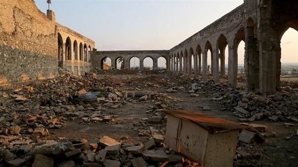 IŞİD 2014 yılında Musul'u ele geçirdikten sonra Hz. Yunus (as) adına yaptırılan türbeyi ve yanındaki camiyi havaya uçurdu. Nebi Yunus Türbesi'nin tam olarak ne zaman yaptırıldığı bilinmiyor. Fakat bazı tarihçiler eseri 8. yüzyıla tarihlendiriyor. Türbeyle birlikte çevresindeki cami, müze ve tarihi eserler de yok oldu.