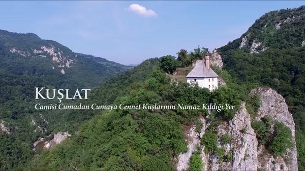 Bosna Hersek, vize serbestliğinden sonra vatandaşlarımızın yoğun olarak ziyaret ettiği ülkelerin başında gelmektedir. Günümüzde Balkan ülkelerinin özellikle de Bosna Hersek'in bu kadar ilgi görmesinin nedeni 600 sene önce Osmanlı hâkimiyetine geçerek yüzyıllardır ortak bir kültür tarihimizin olmasıdır.