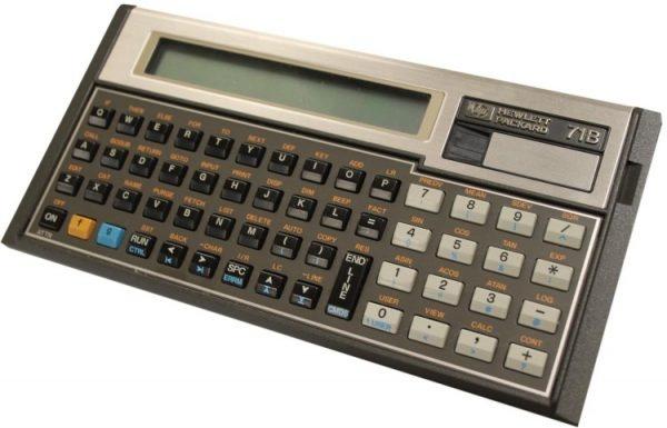 İlk mekanik hesap makinesi; 1642 yılında Fransız Filozof Blaise Pascal tarafından, vergi tahsildarı olan babasına yardım için tasarlandı. 1799 yılına kadar kullanılan bu mekanik aygıt, kadranlarla girilen sayıları toplayıp çıkarabiliyordu. Bugün hesap makinesi olarak akıllı telefon uygulamasını kullanıyoruz.