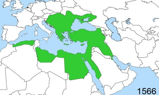 Bâbertî'den icazet almasının ardından tekrar Anadolu coğrafyasına dönen Molla Fenârî, ilmî birikimi ile etrafında büyük bir cezbe merkezi haline geldi. Anadolu coğrafyasının ilmî bir merkez olarak İslam dünyasından gelen kişiler için bir ilim yuvası olmasında büyük katkıları oldu. İlmî seyahatlerine devam eden Molla Fenârî, 1419 yılında hac seyahatinden dönerken Kahire'ye uğradı. Kahire'de bulunduğu sırada dönemin önde gelen âlimleriyle ilmî müzakerelerde bulundu. Daha sonra Kudüs'e gitti. Kahire'ye 1430 yılında yine bir hac seyahatinden dönerken giden Molla Fenârî, yine âlimlerle ilmî müzakerelerde bulunmuştu. Döndükten kısa bir süre sonra 1 Receb 834 (15 Mart 1431) tarihinde Bursa'da vefat etti.  BURSA > İZNİK > AMASYA > KAHİRE > HİCAZ > KAHİRE > KUDÜS > BURSA.