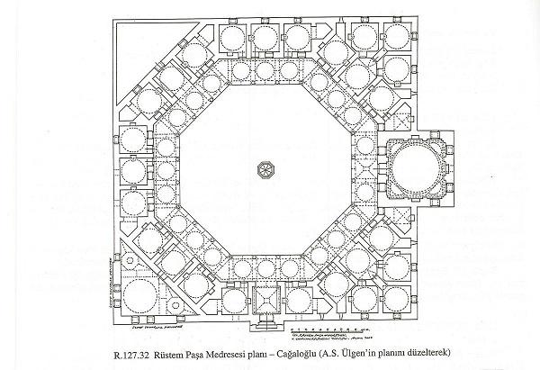 2)Rüstem Paşa Medresesi-1551 (Mimar Sinan)  Kare bir çerçeve içine sekizgen avlu düzeninde revaklar ile birbirine bağlanan 22 hücre yerleştirilmiştir. Sekizgen plan üzerine, özgün bir deneme olan bu yapının uygulamasındaki zorluklar, Sinan'ı bu şemayı tekrarlamaktan uzak tutmuştur.