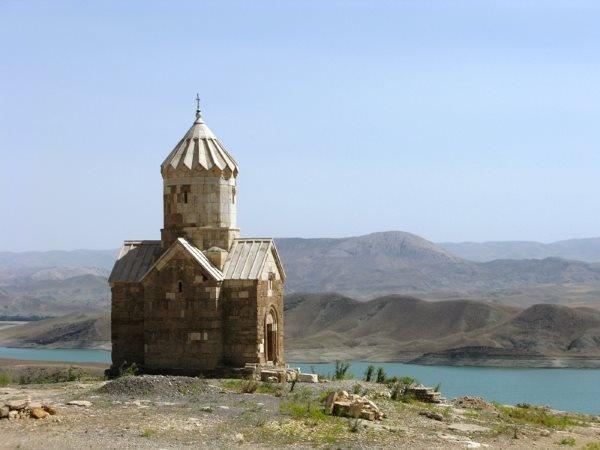 İran'ın Ermeni Manastır Topluluğu
