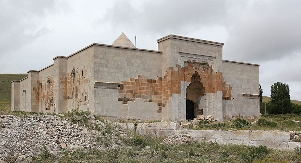 Anadolu'nun ilk gözbebeği Alay Han
