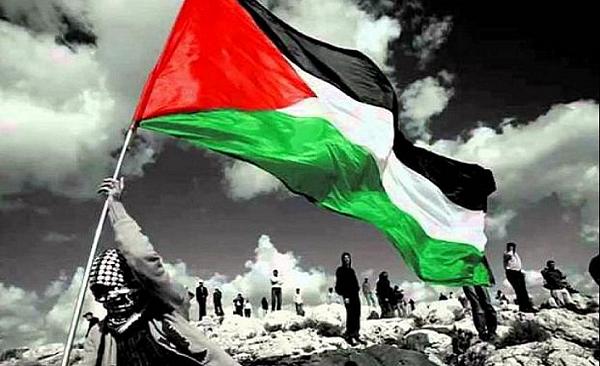 """""""İç Savaşın Gölgesinde Lübnan"""", """"Siyonizm Düşünden İşgal Gerçeğine Filistin"""", """"Ortadoğu'nun Aynası Lübnan"""", Ortadoğu Konuşmaları"""" (Ed.) gibi kitaplara imza atan Zahide Tuba Kor Ortadoğu'yu hem akademik hem de güncel olarak yakından takip eden isimlerden biri.  """"Türk Dış Politikası ve Ortadoğu Günlüğü"""" (http://ortadogugunlugu.blogspot.com/2019/07/ortadogu-ile-ilgili-kitap-tavsiyelerim.html) adını taşıyan blogunda bölgeye yönelik yorum ve analizlerini paylaştığı gibi dünya basınından önemli yazıları da Türkçeye çeviriyor.  Ayrıca Bilim ve Sanat Vakfı'nda Ortadoğu üzerine verdiği ders ve seminerler de konunun meraklıları için oldukça faydalı. Zahide Tuba Kor'un Ortadoğu'yu anlamak isteyenlere yönelik blogunda tavsiye ettiği kitaplardan 25 tanesini sizlerle paylaşıyoruz:"""