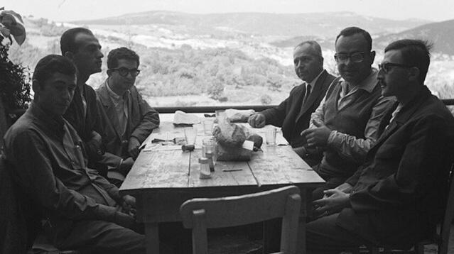 Psikoloji, felsefe, sosyoloji, dinler tarihi, din psikolojisi ve ahlak dersleri okuttu. Vatani görevini 6 Mayıs 1936-31 Ekim 1937 tarihleri arasında yaptı. Hüseyin Avni Ulaş'ın kızı Fethiye Hanım'la evlendi, ancak evlilikleri iki yıl sürdü. Bergson üzerine hazırladığı tezle felsefe doçenti oldu fakat İstanbul Üniversitesi kurulları tarafından kadroya atanmadı. Hilmi Ziya Ülken'in başında olduğu Sosyoloji Kürsüsü'nde bir müddet eylemsiz doçent statüsünde ahlak dersleri verdi. 20 Kasım 1974'te yaş haddinden felsefe öğretmeni bir doçent olarak emekliye ayrıldı.