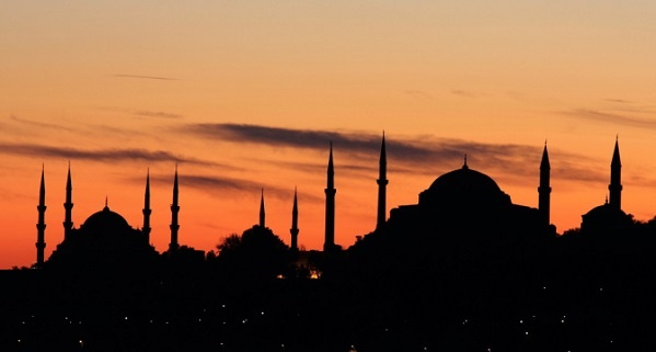 Kültürel erozyonun simgesidir minaresiz camiler