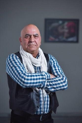 Sosyolog, mütercim, yayıncı, entelektüel Hüsamettin Arslan (1956-2018)'ı vefatının ikinci yıldönümünde rahmetle anıyoruz. Hayatını, eserlerini, Türk bilim dünyasına katkılarını bu vesileyle hep birlikte hatırlayalım.