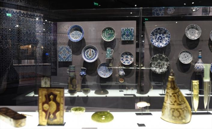 """""""İslam Sanat Eserleri"""" Paris Louvre Müzesi'nde sergileniyor"""