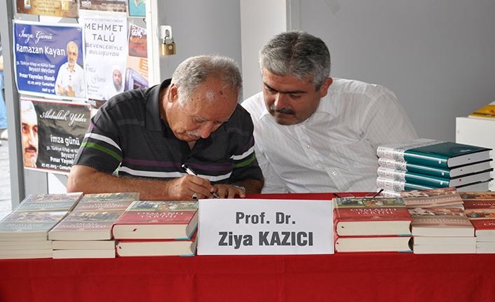 Prof. Dr. Ziya Kazıcı, Hayatını Yeni Dünya Vakfı'nda anlatacak