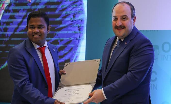 Uluslararası Staj Programı'nın ilk stajyerleri sertifikalarını aldı
