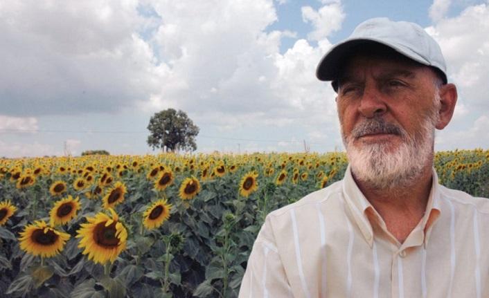 Mustafa Kutlu: Sanat kâinatın âhengine katılmaktır