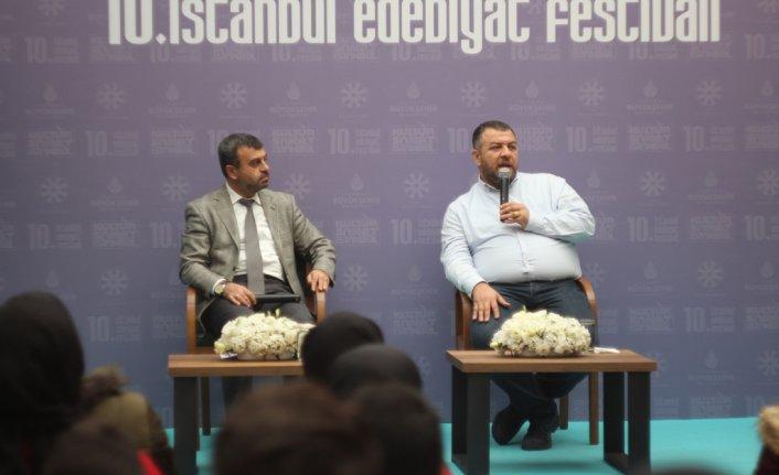 Edebiyat Festivali'nin Dördüncü Gününde Şairler konuştu