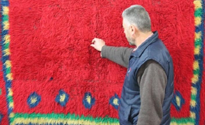 """Türk halı sanatının zengin örneklerinden """"tüylü"""" halılar..."""