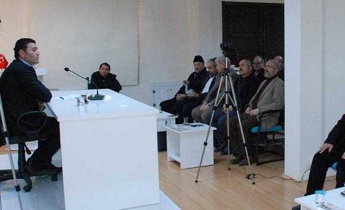 """TYB Konya'da """"Marşlar ve Toplumsal Hareketler"""" konuşuldu."""