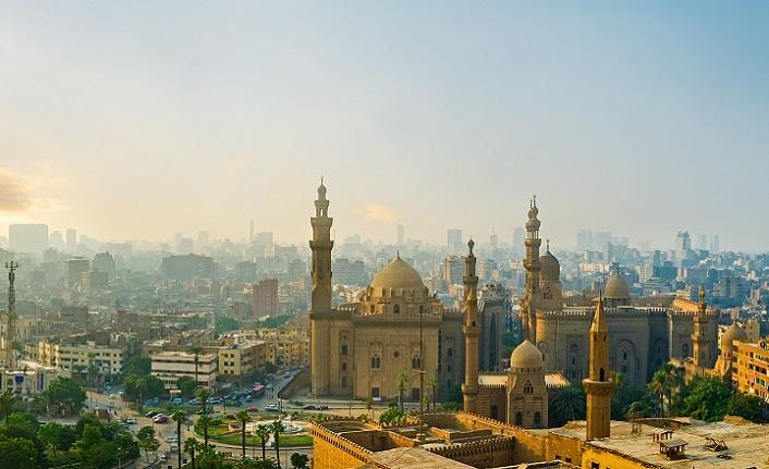 Bir şairin gözünden Kahire ve Paris