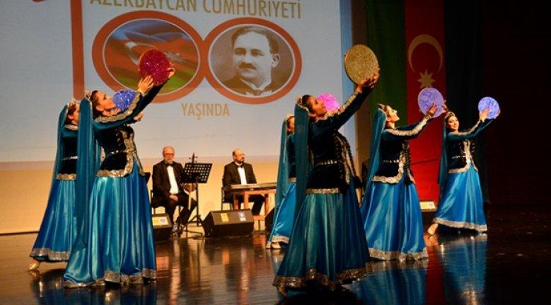 """Bursa'da """"Azerbaycan Cumhuriyet Şöleni"""" düzenlendi"""