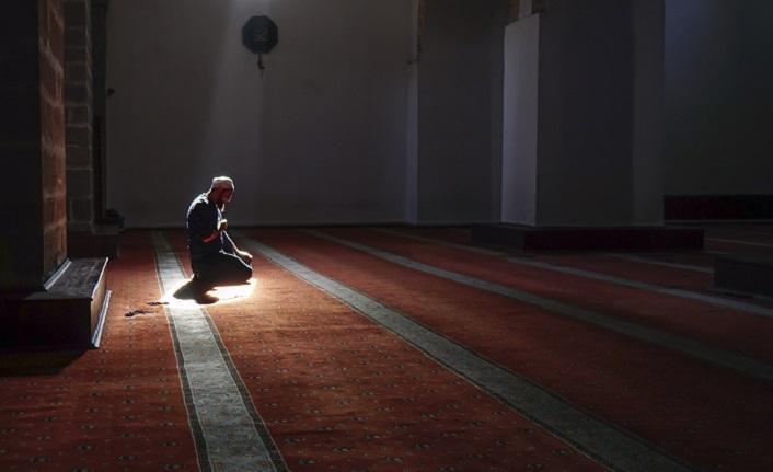 'Kalpler ancak Allah'ı anmakla huzur bulur'
