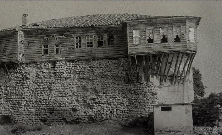 Rize Araştırmaları Vakfı'ndan klasik Karadeniz mimarisine dikkat çeken bir sergi