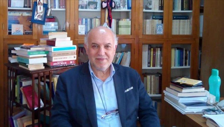 'Klasik Türk Edebiyatı, milli kültürün kozmik odasıdır'