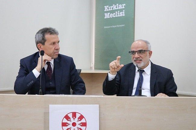 Mustafa Özel: Romancı geleceğin tarihini yazar