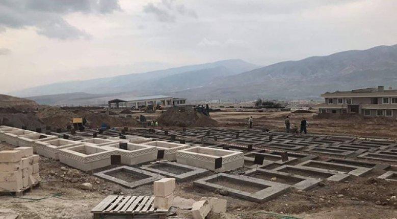 Hasankeyf'teki türbe ve mezarlar da yeni yerleşim yerine taşınıyor