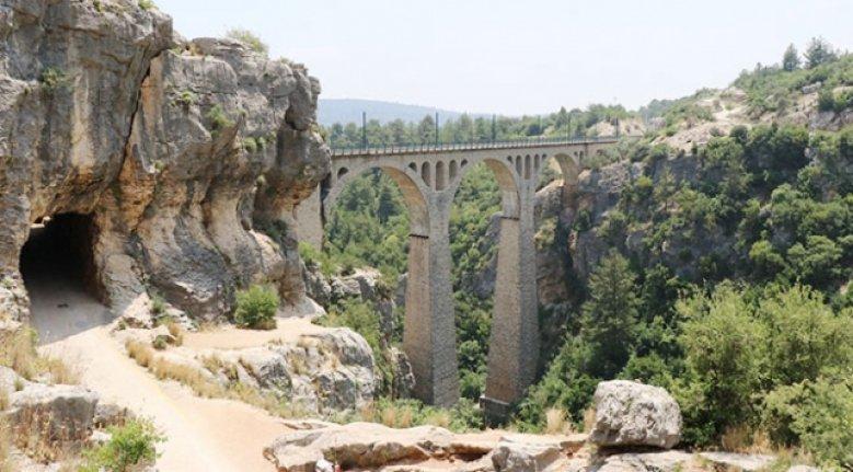 """Adana'daki """"yıkık kent"""" turizm için ayağa kaldırılıyor"""