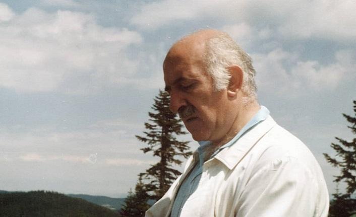 Dünyanın kalbini dinleyen şair: Erdem Bayazıt