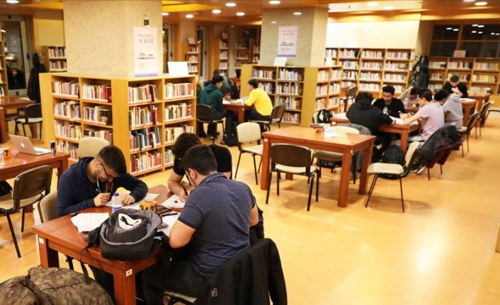 MEB'den kitap okuyan öğrencilere ücretsiz gençlik kampı