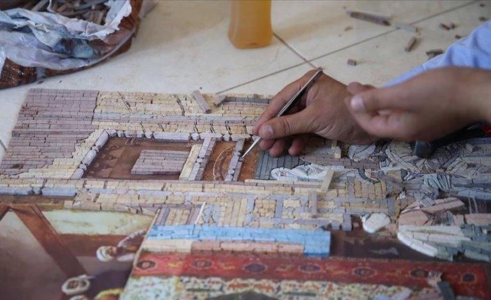 Dünyanın dört bir yanına mozaik ve tablo gönderiyor