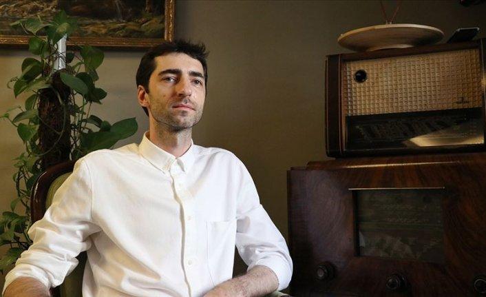 Piyanist Evgeny Grinko: Rusya'da şarkı bitince, Türkiye'de ise başladığında alkışlıyorlar