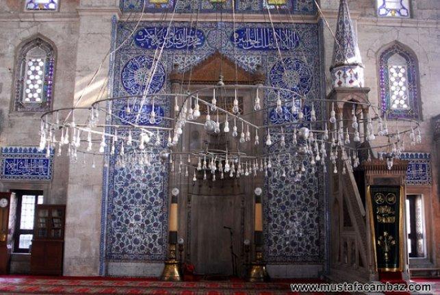 Sokullu Mehmet Paşa Camii'nin camdan kandilleri filme konu oldu
