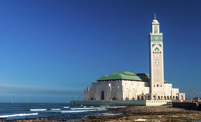 İç ezanın İstanbul makamıyla okunduğu cami