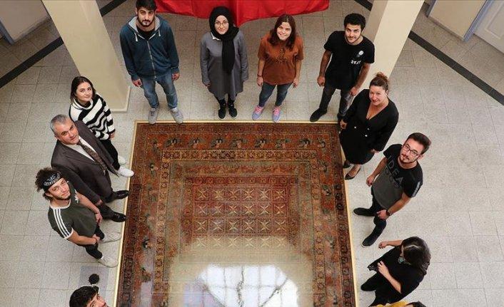 Tarihte bilinen ilk Türk halısı Pazırık taştan yapıldı