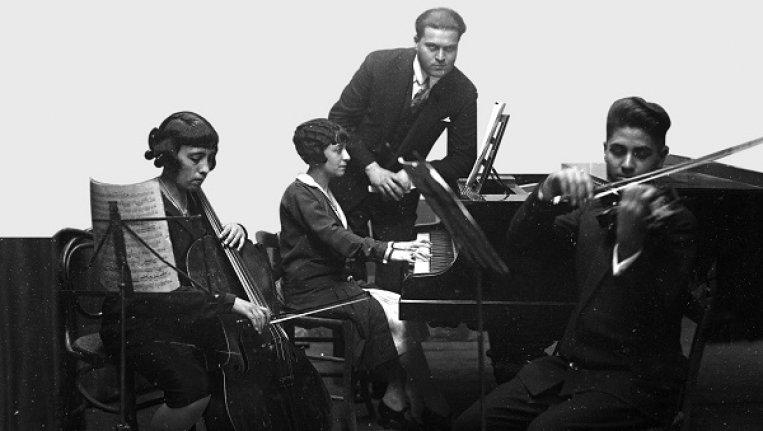 """Barok müziği Türk Halk müziğiyle buluşturan konser: """"Evlerinin Önü Klavsen"""""""