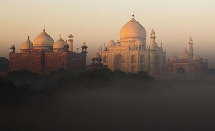 Delhi'nin Ankalarından Fuzuli'nin beyitine