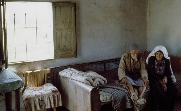 Modern aile yaşlılar için yalnızlık demek