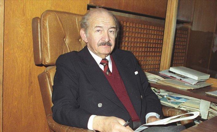 Tiyatronun öncü ismi: Haldun Taner