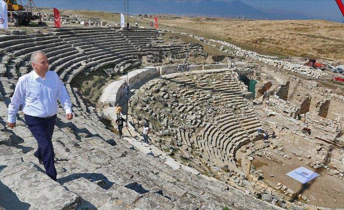 Antik tiyatro 1600 yıl sonra yeniden sanatla buluşacak