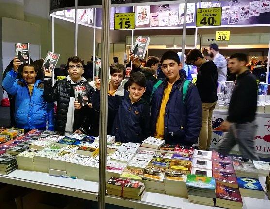 8 yıldır Gaziantep'ten Türkiye'ye kitap elçiliği yapıyorlar