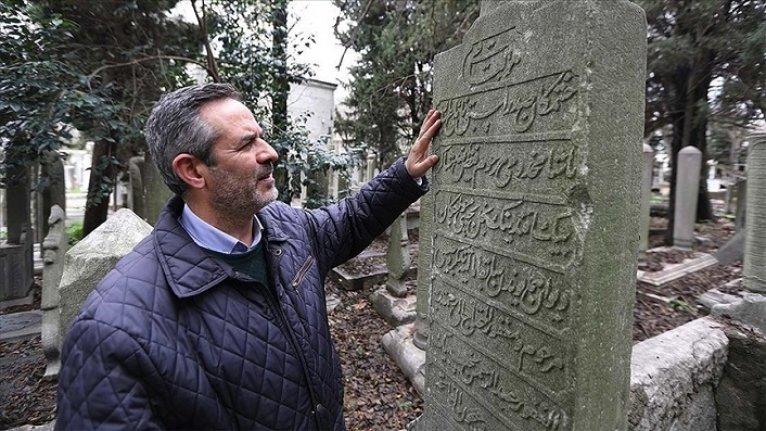 Hayatını 'Medeniyetin sessiz tanıkları' mezar taşlarını anlatmak için değiştirdi