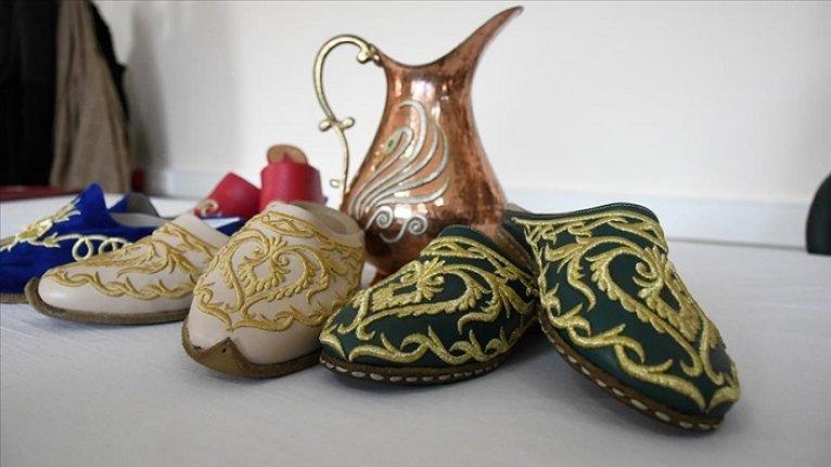 Osmanlı saraylarını süsleyen 'sim sırma' yeni nesil tasarımlarla geleceğe aktarılıyor