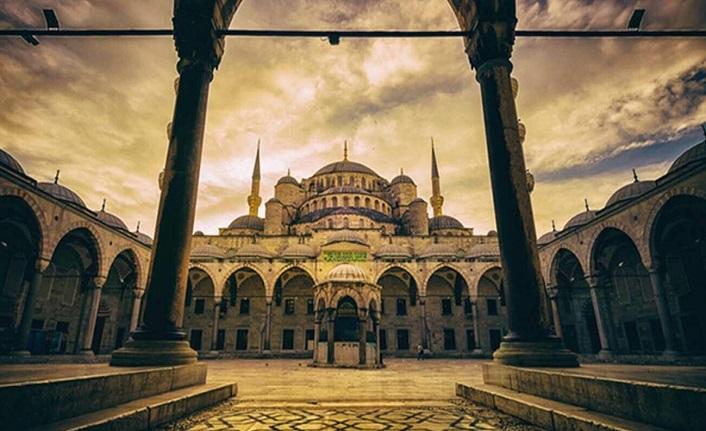 İslâm mimarisinin ilahi kudret temsili kubbeleri