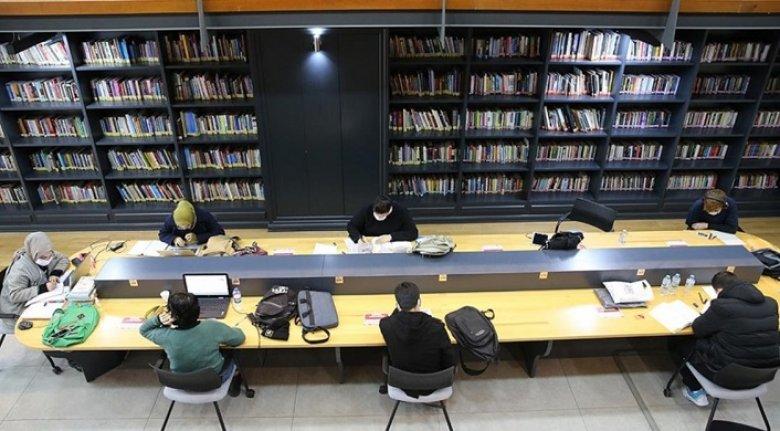 Fatih'te açılan 10 yeni kütüphane gençlerin uğrak yeri oldu