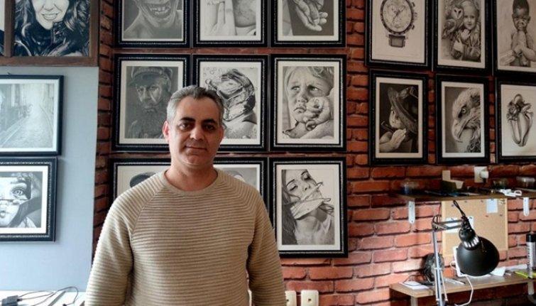 Fotoğrafları sanata dönüştüren ressamın eserleri yurt dışından ilgi görüyor