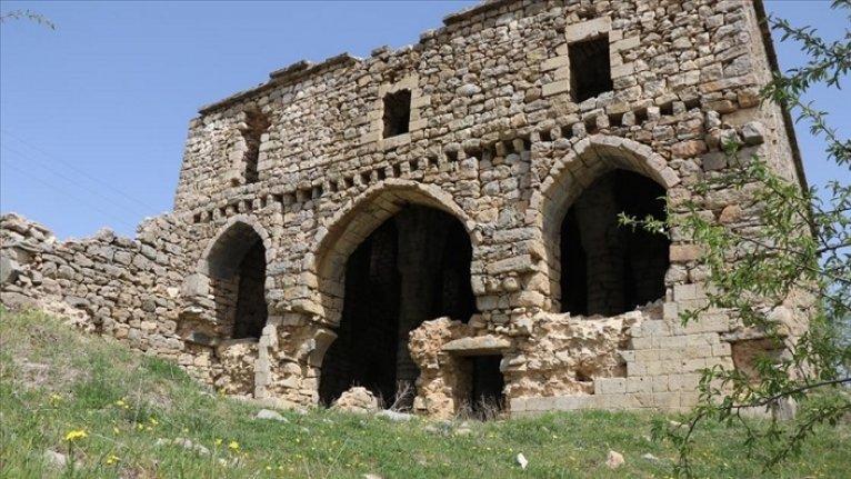 Diyarbakır'daki Meryem Ana Manastırı tarihi birikime sahip