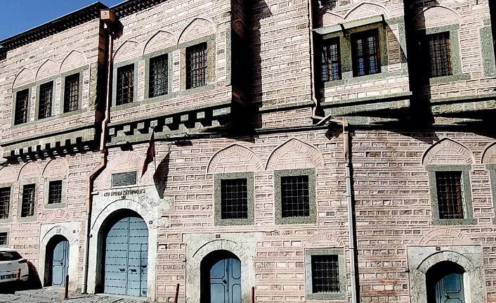İstanbul kütüphanelerinde kitâbeler