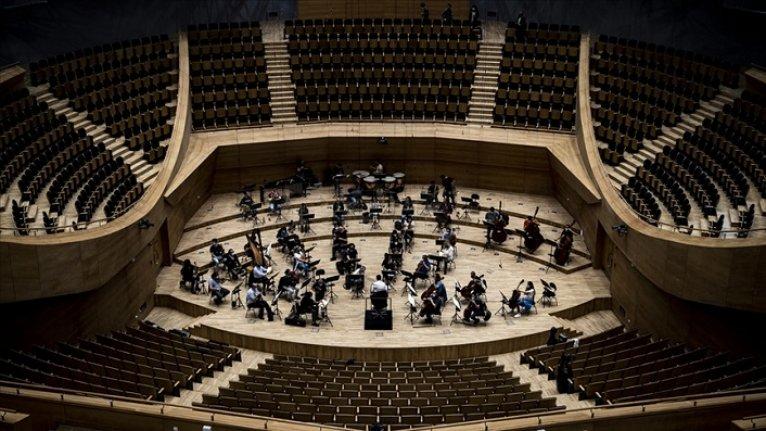 Cumhurbaşkanlığı Senfoni Orkestrası ile Devlet Çoksesli Korosu'nun konserleri ertelendi