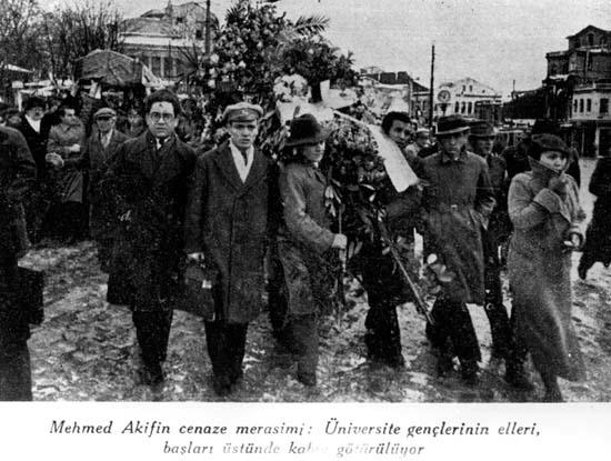Mehmet Akif'in cenazesi