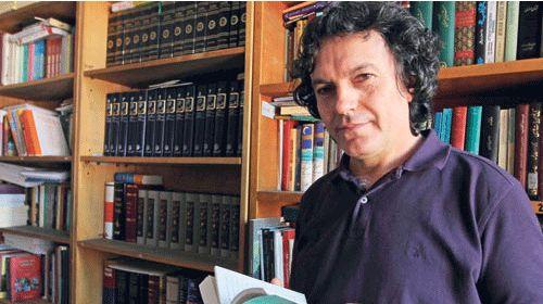 Modern dönem İran şiirine yetkin bir bakış