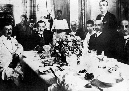 Mehmed Akif'i Batılı şairlerle kıyas ederek anlattı